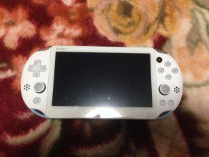 PS Vita本体表面