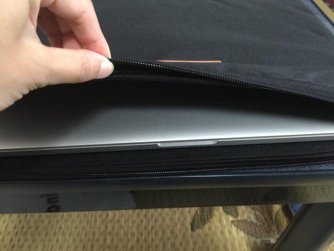 MacBook Proを入れた状態