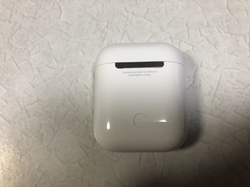 AirPods2 ケース裏面